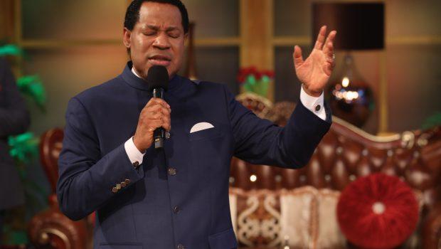 Pastor-Chris-Oyakhilome-global-communion-service